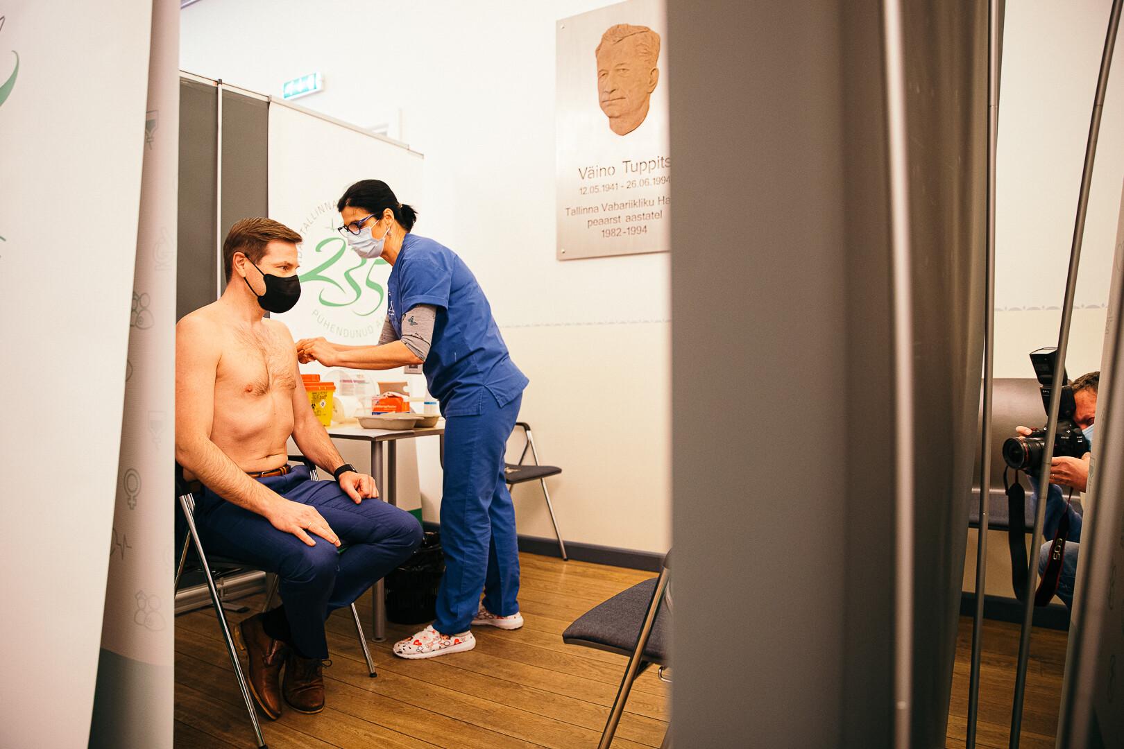 Keskmise suurusega liikme pikkus ja paksus suurendades liikmena haiglates
